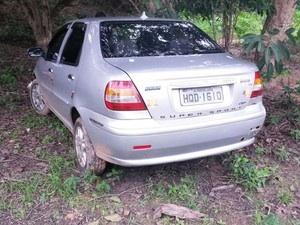Veículo usado em assalto que terminou com PM baledo (Foto: Divulgação/PM)