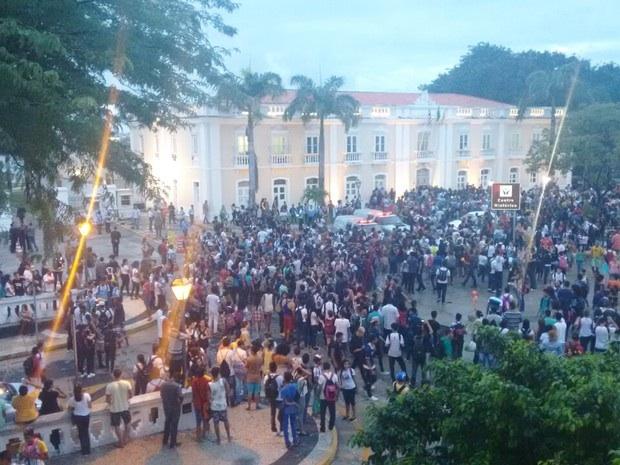 Estudantes durante protesto em São Luís.