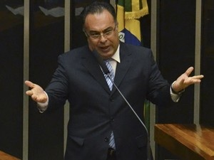 André Vargas no plenário da Câmara em abril de 2014 (Foto: José Cruz/Agência Brasil)