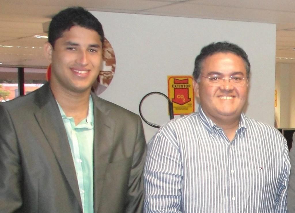 Roberto Júnior ao lado do pai, senador Roberto Rocha.