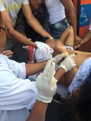 Estudante é baleado dentro de ônibus, em São Luís (MA) (Foto: Reprodução / TV Mirante).