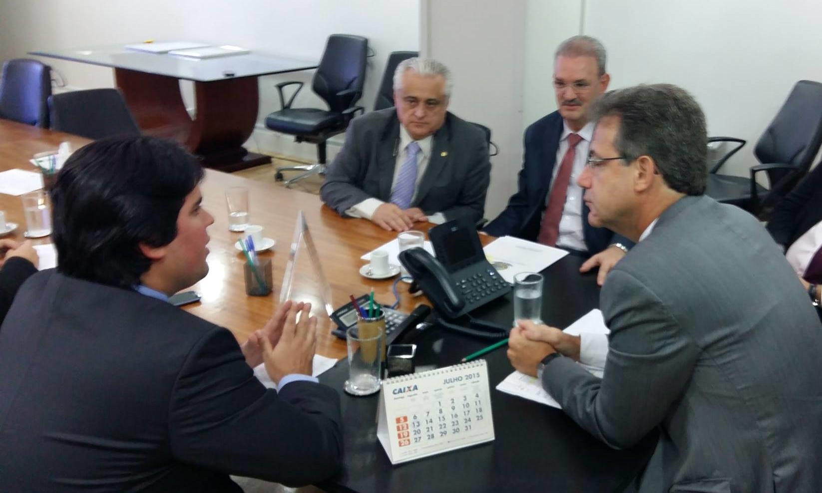 André Fufuca cobrou melhorias na saúde para o vale do Pidaré durante reunião com ministro Arthur Chioro .