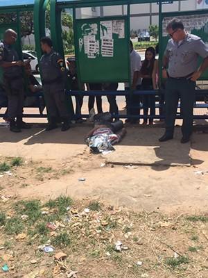 Jovem de 22 anos foi executado a tiros em São Luís (Foto: Jéssica Melo / TV Mirante)