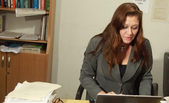 Promotora de Justiça Alessandra Darub Alves.