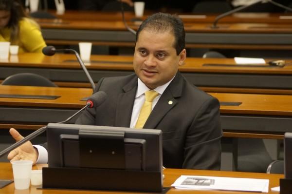 Weverton Rocha (PDT), tenta a todo custo assumir o posto de Manoel Dias, no Ministério do Trabalho