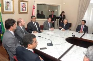 """Políticos reunidos durante o lançamento do programa """"Cidadão do Mundo"""""""