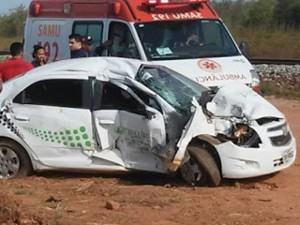 Trem colide com um carro em Bacabeira