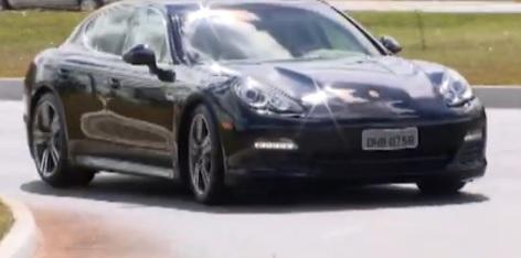Porsche também foi apreendido.
