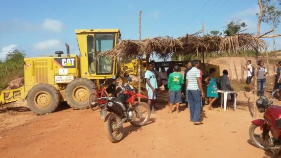 Moradores paralisaram obra na MA - 006
