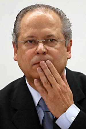 José Dirceu é suspeito de praticar crimes como corrupção e lavagem de dinheiro