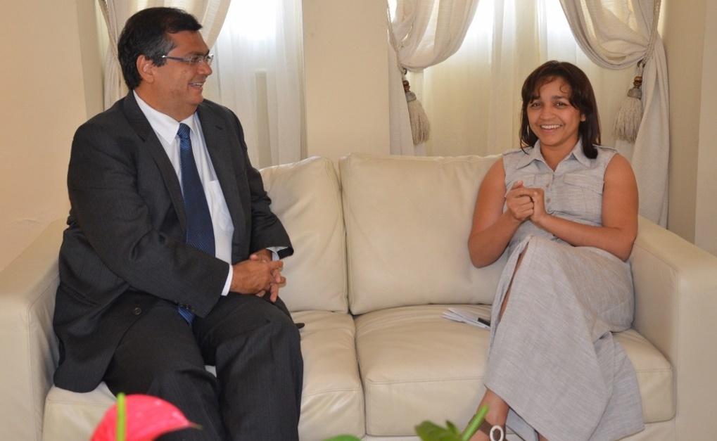 Governador Flávio Dino ao lado de Eliziane Gama.
