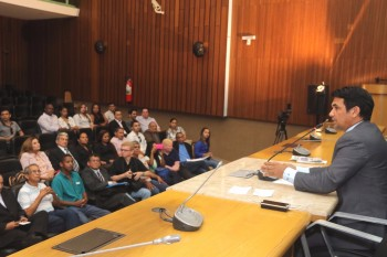 Audiência sobre a importância dos profissionais de comunicação