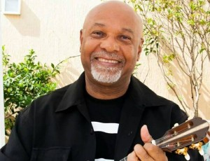 Cantor e compositor carioca, Mauro Diniz