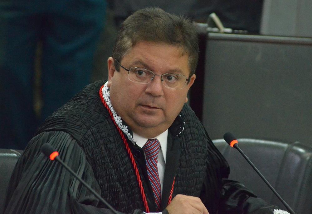 Desembargador Jamil Gedeon do Tribunal de Justiça do Maranhão.