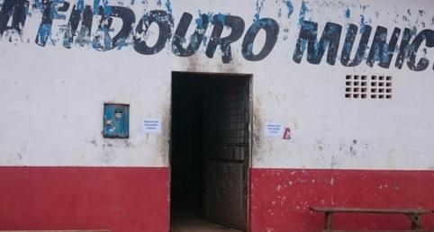 Condições sanitárias insalubres motivaram interdição.