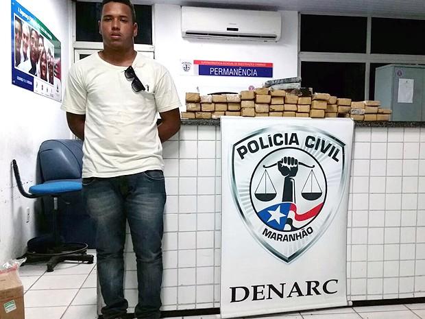 Suspeito de transportar a droga de Imperatriz para São Luís.