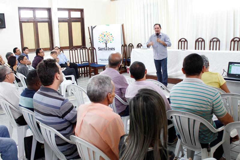 Governo reúne prefeituras para apresentar projeto de matadouros regionais