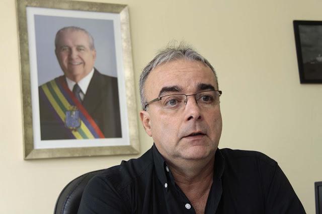 Ex-titular da Secretaria Municipal de Urbanismo e Habitação – SEMURH, respectivamente, Domingos José Soares de Brito.