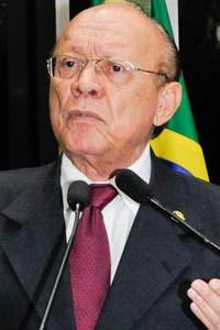 Em discurso na tribuna do Senado, senador João Alberto Souza (PMDB-MA).