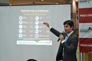 FOTO-Presidente-do-PROCON-explica-ranking-das-empresas-mais-reclamadas-em-2015-300x200