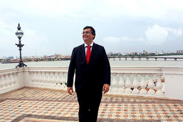 Governador Flávio Dino, usando das barras da Justiça para conter greve.