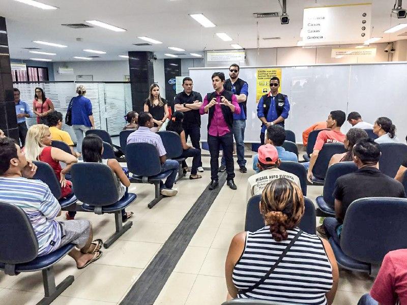 Foto 1_Divulgação_Procon_16082016 - Governo fiscaliza bancos e realiza Diálogo com Fornecedores do PROCONMA e do VIVA