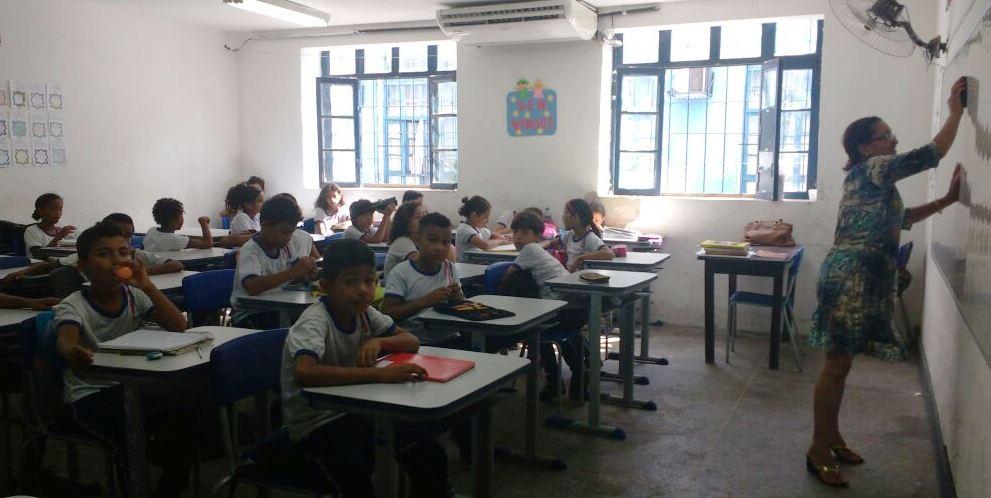 foto-2_divulgacao_seduc_23112016-colegio-cintra-retoma-atividades-com-aulas-nos-tres-turnos
