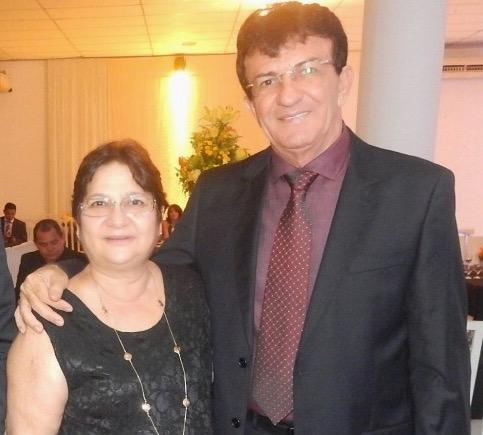 Francisco Carlos de Oliveira, com a esposa, Terezinha, ambos proprietários da FC Oliveira.