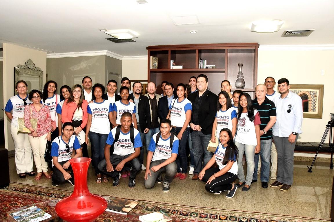 thumbnail_visita-estudantes-presidencia