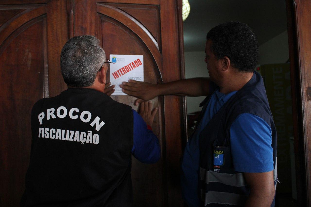 foto-1_divulgacao_procon_26122016-proconma-e-vigilancia-sanitaria-interditam-restaurante-em-sao-luis-por-ma-conservacao-de-alimentos