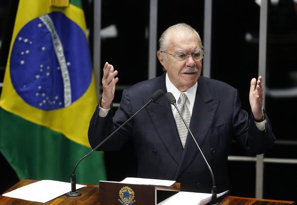 SARNEY1 DF NACIONAL 1812/2014 SARNEY/DESPEDIDA O senador, Jose Sarney (PMDB AP), faz um discurso de despedida da tribuna do plenario do senado, em Brasilia.FOTO:DIDA SAMPAIO/ESTADAO