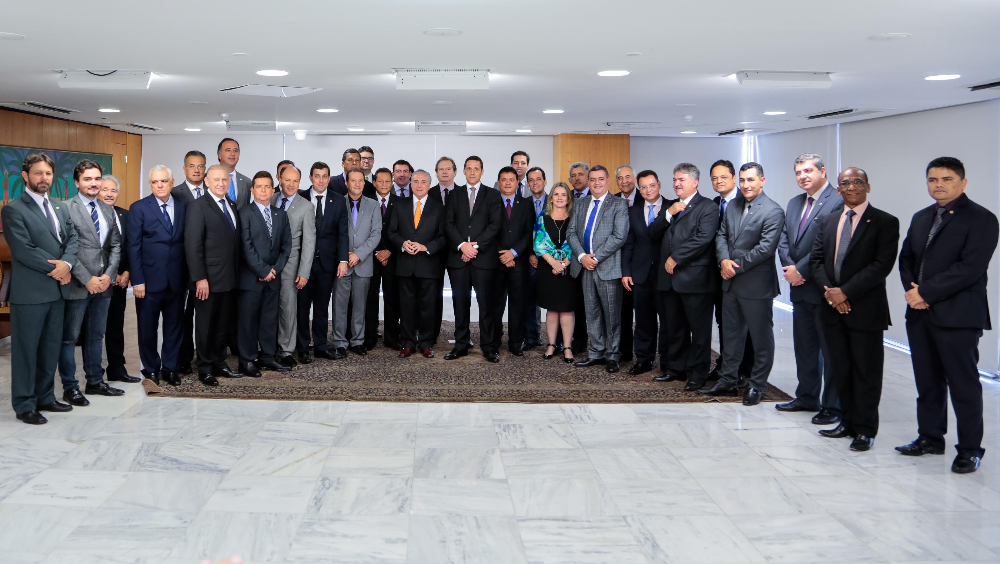 (Brasília - DF, 16/03/2017) Deputado Adjuto Rodrigues Afonso, Presidente da União Nacional dos Legisladores e Legislativos Estaduais – UNALE e outros. Fotos: Marcos Corrêa/PR