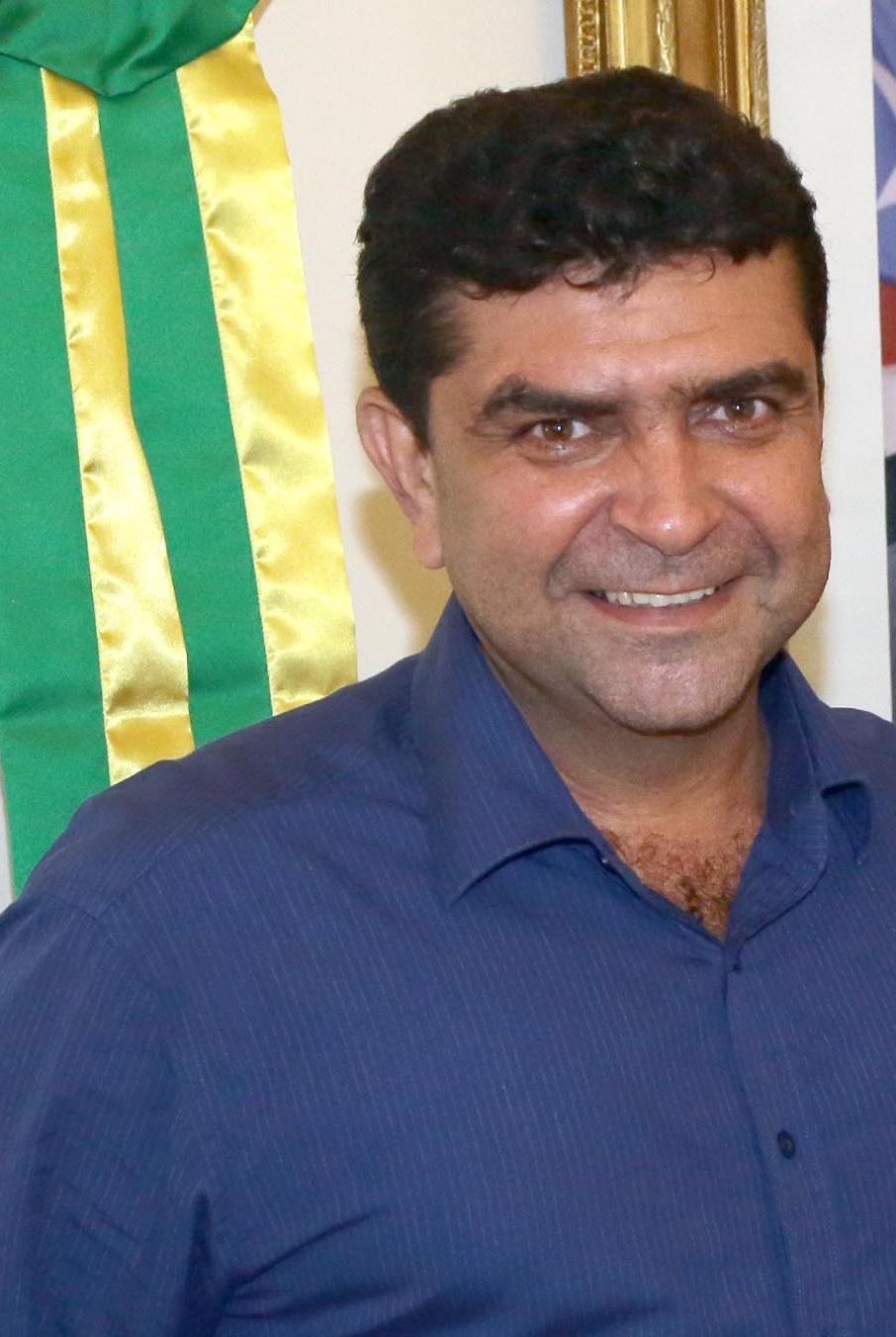 Foto-2-Governador-Flavio-Dino-e-Prefeito-de-PIO-XII-Carlos-do-Bine-2