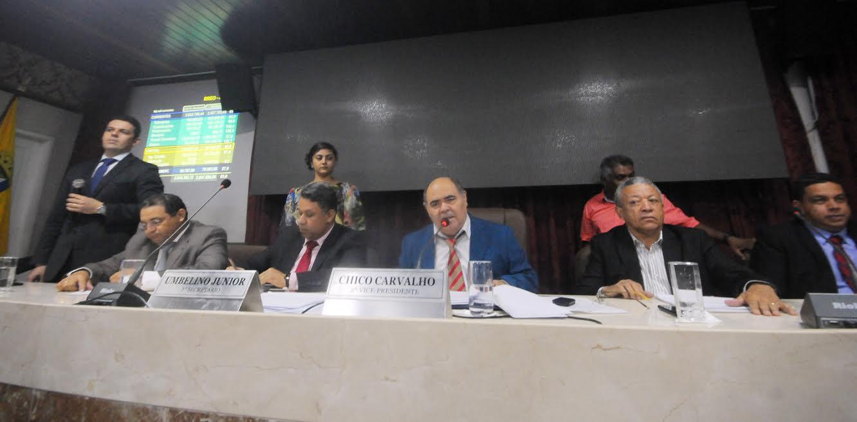 Secretáriode Fazenda faz apresentação sobre relatório de quadrimestres do Executivo.