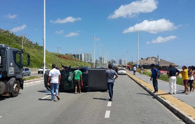 Acidente-na-Avenida-Litorânea-2