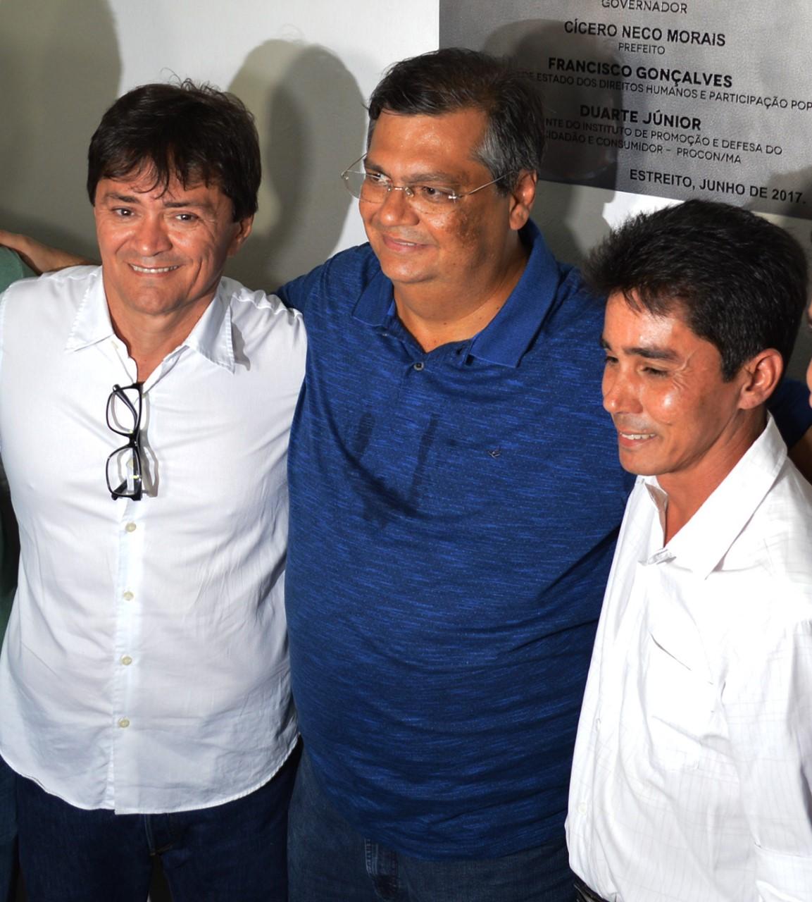 thumbnail_Deputado Léo governador Flávio Dino e prefeito Cicero Neco em Estreito