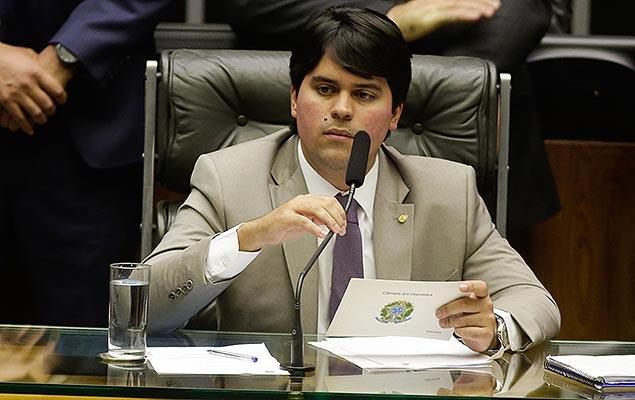 BRASÍLIA, DF, 30.08.2017: CÂMARA-DIA - Deputado André Fufuca preside sessão deliberativa extraordinária no plenário da Câmara dos Deputados, em Brasília, nesta quarta-feira. (Foto: Walterson Rosa/FramePhoto/Folhapress)