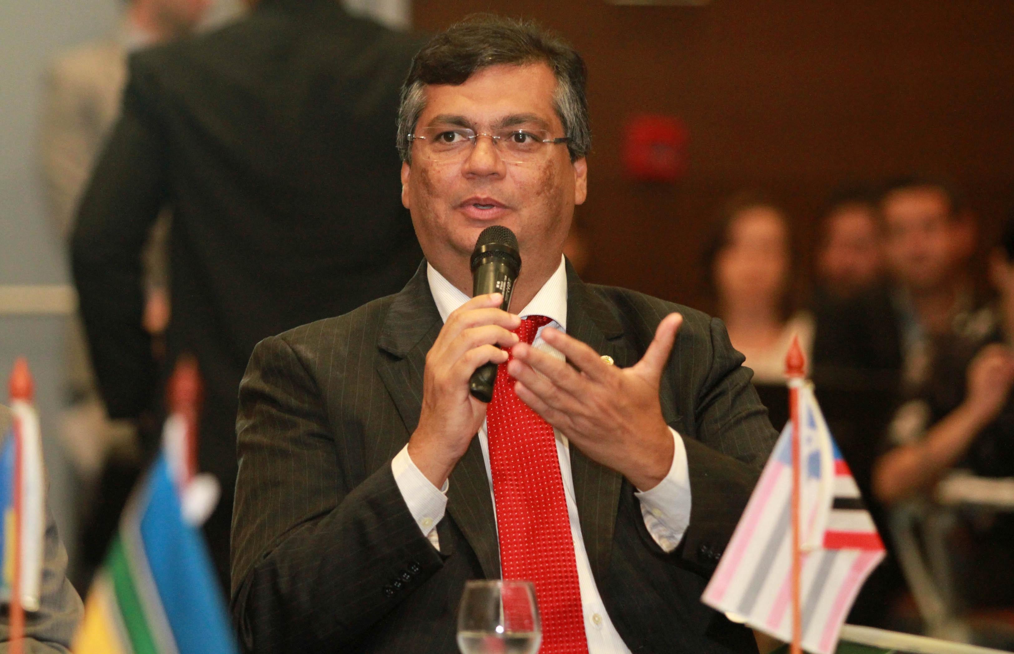 Foto-1-Flávio-Dino-defende-nova-política-econômica-em-encontro-com-governadores-da-Amazônia-Legal