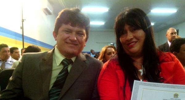 Prefeito Orias de Oliveira Mendes (PSB), e vice-prefeita Vanusa Santos Moraes (PMDB).