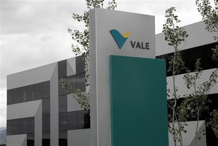 A logo is pictured on Brazilian mining company Vale's central sales office in Saint-Prex near Geneva June 4, 2012. REUTERS/Denis Balibouse