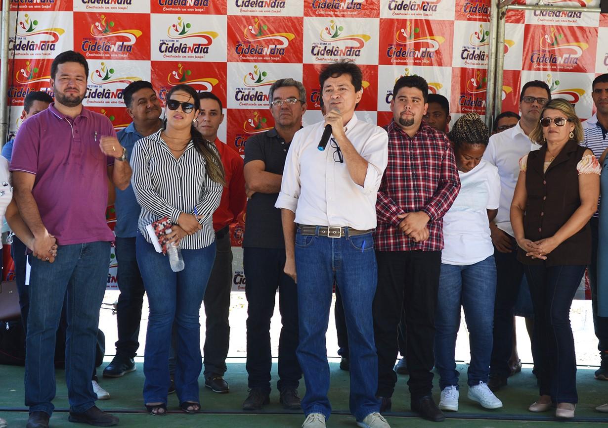 thumbnail_Deputado léo Cunha anuncia recursos para contrução de uma praça na zona rural de Cidelândia