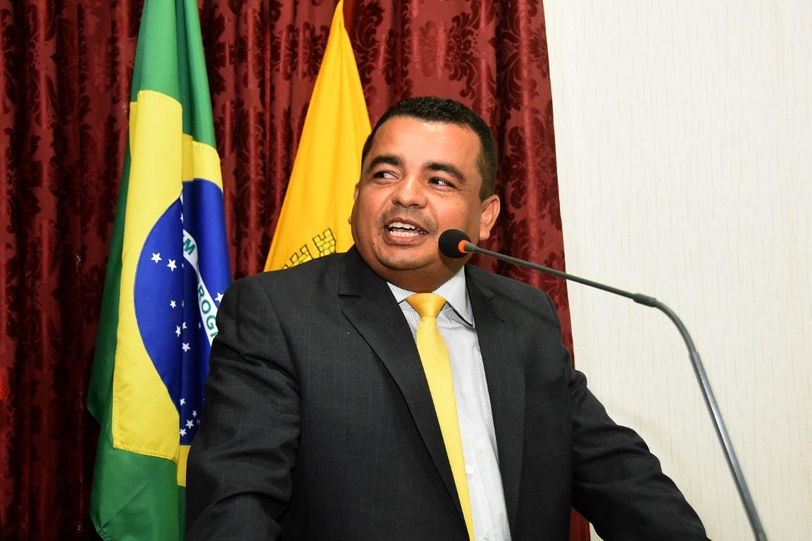 Edison Gaguinho pede ao governo recuperação de ciclovia na Cidade Operária.