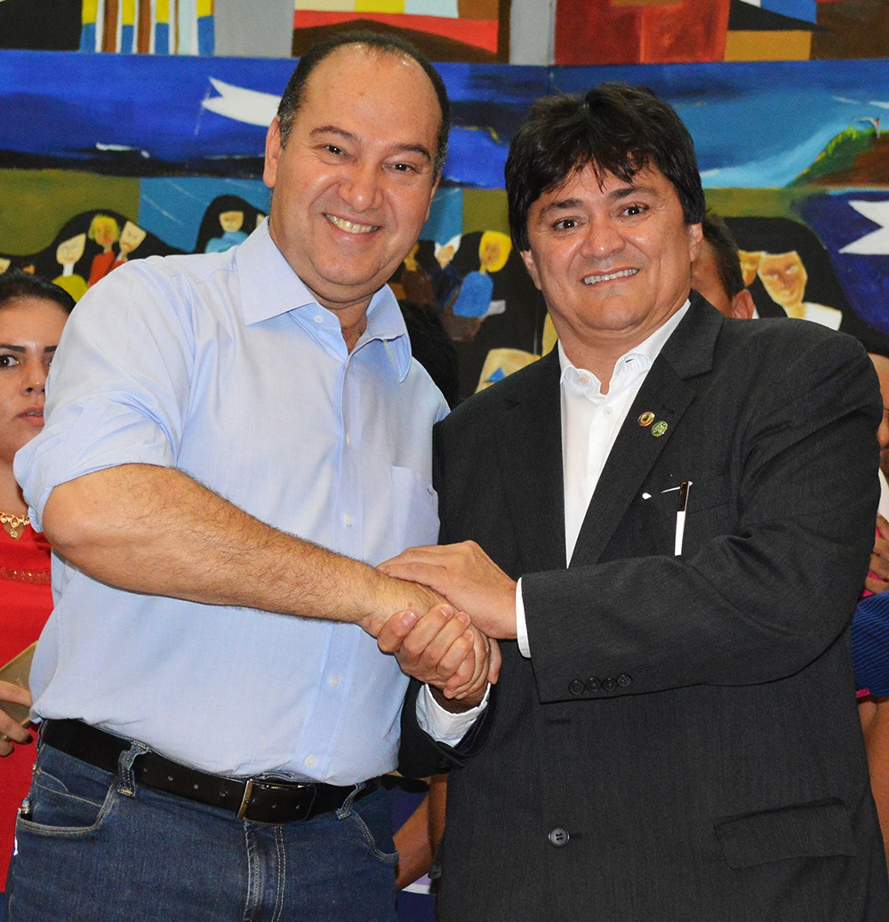 thumbnail_Deputado Léo Cunha presidente etadual do PSC maranhense com o presidente Nacional do partido Pastor Everaldo Dias.