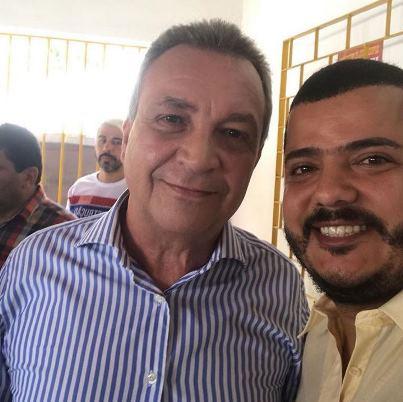 Luis Fernando ao lado do filho do presidente do Tribunal de Justiça.