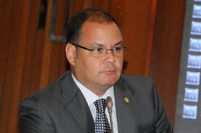 Deputado estadual Rogério Cafeteira.