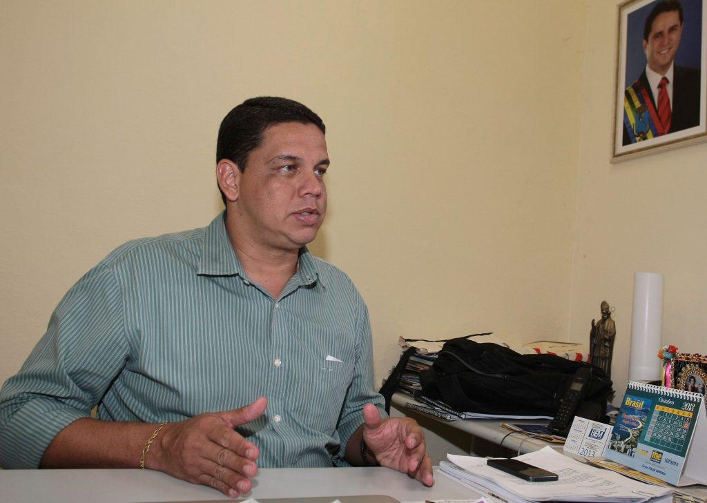 Lula Fylho, secretário de São Luís, que tem conhecimento do caso grave da paciente, mas recusa a colocar médico no Hospital Socorrão II