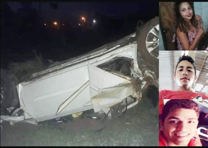 44e343cccf9f6 Um acidente de trânsito entre um veículo de passeio e uma motocicleta  deixou três pessoas mortas na manhã desta segunda-feira (04), no km 191 da  BR-316, ...