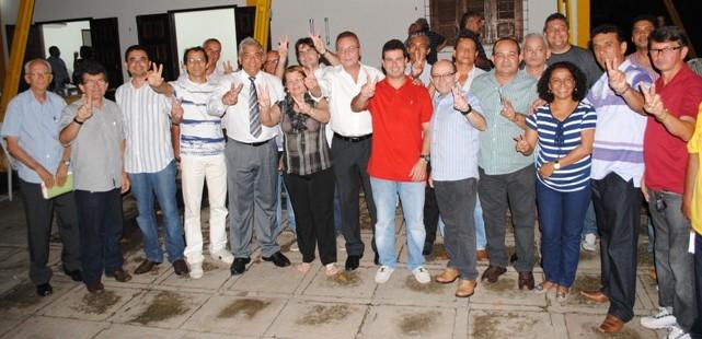 Políticos ribamarenses unidos em favor da reeleição de Gil Cutrim.