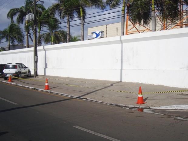 Local onde Décio Sá estacionou o seu veículo. (Foto: Zeca Soares)