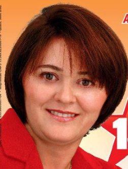 A candidata ficha-suja Edina Fontes.